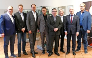 Beim Dämmerschoppen: (von links) Thomas Kreisel, Johann-Heinrich Bremer, Gordon Firl, Carsten Senge, Martin Härke, Matthias Härke, Stefan Honrath und Henrik Phillip.
